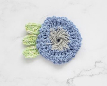 CrochetFlowers_Cornflower_01_web-600x600